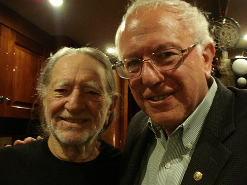 Vermont's Bernie Sanders Honors Willie Nelson